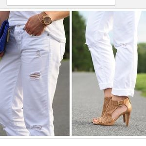 LOFT white distressed boyfriend jeans New size 2